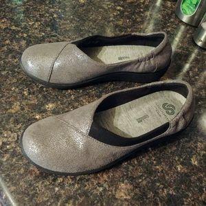 Clarks Shoes - New clarks cloudstepper flats 6.5